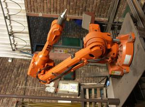 Robot industriale ABB IRB2600