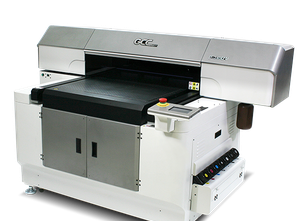 Prensa digital GCC JF-240UV