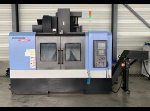 Centro de mecanizado vertical Doosan DNM 650