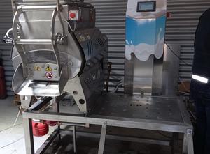 Mlékárenský stroj - výroba sýru, porcování a balení pandur ltd SF200
