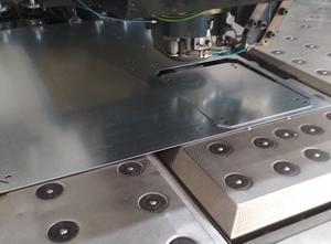 Děrovací stroj CNC TRUMPF TC 5000 R 1300