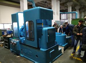 Reishauer ZB Gear grinding machine