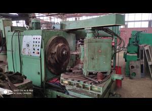 Fresatrice ad ingranaggi Saratov (Russia) 5C270P