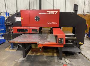 Děrovací stroj CNC Amada Pega 357