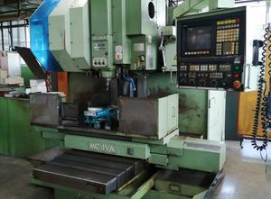 Centro de mecanizado vertical Okuma MC-4-VA