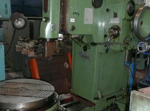 TOS M320 Slotting machine